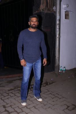Suniel Shetty supports 'Let Avni Live' campaign