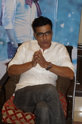 Actor Narendra Jha dead at 55 (Lead)
