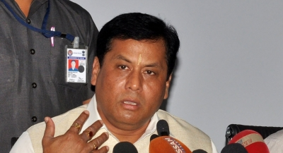 Sonowal takes part in Gunotsav Round II, tastes mid-day meal