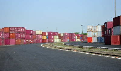 India's June merchandise exports down 9.71%, imports fall 9.07% (Roundup)