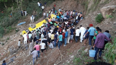 27 schoolkids among 30 killed in Himachal accident (Second Lead)
