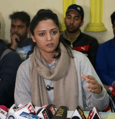 Court tells police to issue notice before arresting Shehla Rashid