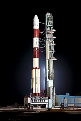 India puts into orbit navigation satellite (Roundup)