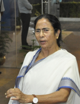 Opposition parties trying to delay panchayat polls in Bengal: Mamata