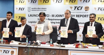 New e-way to reduce Delhi-Mumbai travel time to 11 hours: Gadkari