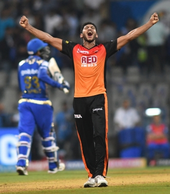 IPL: SRH edge out Mumbai Indians by 31 runs (Lead)
