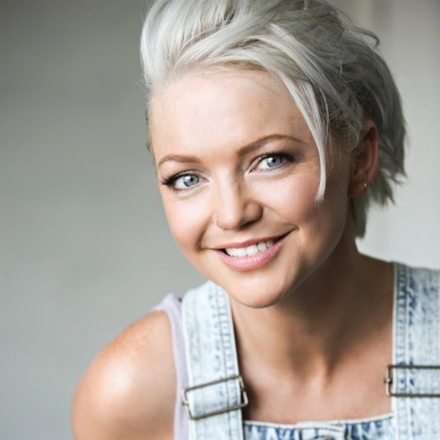 After two miscarriages, motherhood makes Spearritt feel 'incredible'