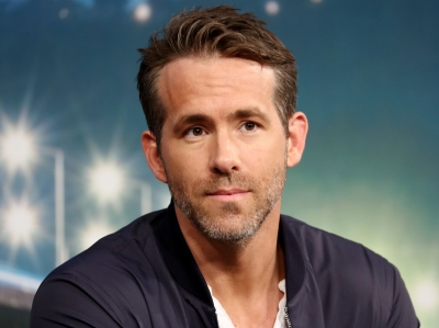 Ryan Reynolds serenades Hugh Jackman with cheeky b'day song