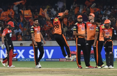 IPL-2018: RCB take on SRH in must-win game (Preview)