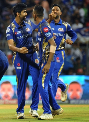 IPL: Mumbai edge past Punjab to keep play-offs hope alive (Lead)