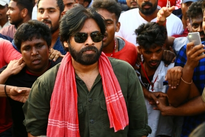 Pawan Kalyan begins fast to over  Uddanam  kidney ailment