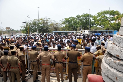 TN toll rises to 13, Thoothukudi tense
