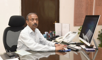 Amit Khare gets additional charge of Secretary, School Education and Literacy