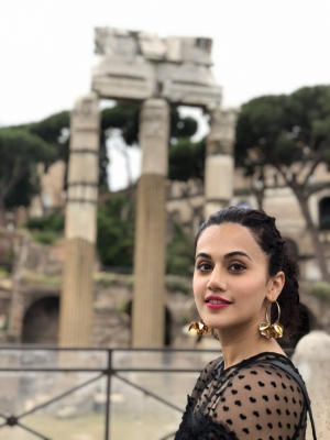 Taapsee Pannu starts shooting for  Badla