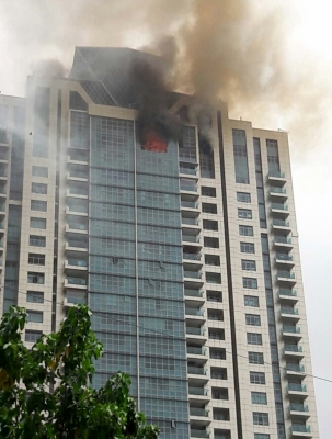 90 evacuated from blazing Mumbai skyscraper, Deepika Padukone safe (Second Lead)