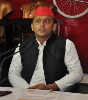 Akhilesh to contest from Kannauj in 2019, Mulayam from Mainpuri