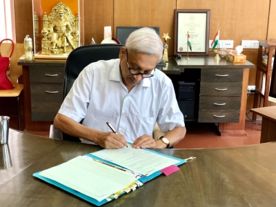 Infection cautious Parrikar addresses first media briefing in three months