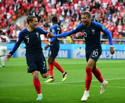 France beat Peru 1-0 to enter World Cup pre-quarters