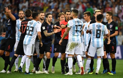 Croatia stun Argentina 3-0 to qualify for last 16 stage (Lead)