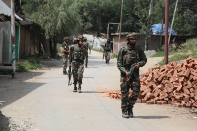 Man dies after hearing son trapped in J&K gunfight (Lead)