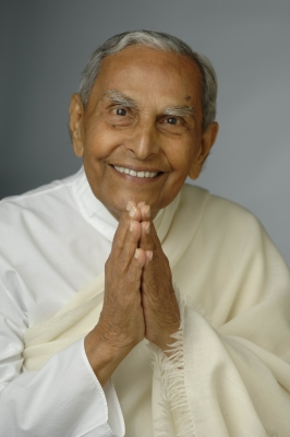 Spiritual leader Dada Vaswani cremated with state honours