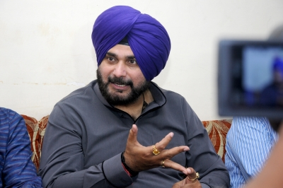 Sidhu likely to attend Imran Khan s swearing-in (Lead)