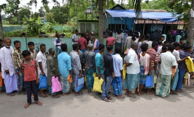 Thousands excluded from NRC throng Seva Kendras in Assam