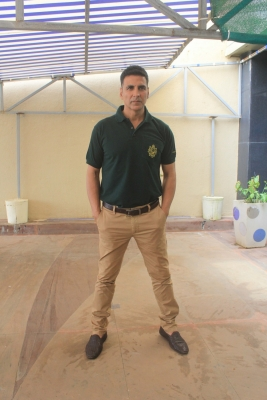 Akshay credits Balki with  effective  road safety campaign