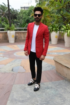 I don't feel complex in playing supporting role: Aparshakti Khurana