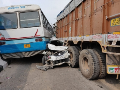 Truck collides with bus, 8 injured