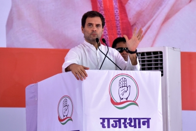 Rahul kicks off Rajasthan poll campaign with roadshow, attacks Modi (Lead)