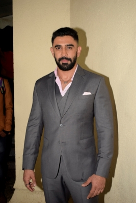 Reema always pushed me to give a better shot: Amit Sadh