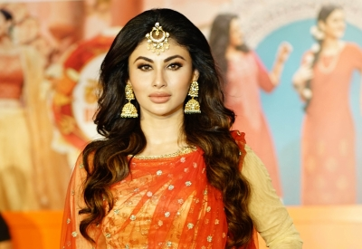 Mouni Roy excited to make LFW ramp debut