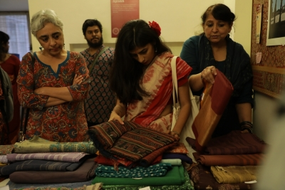 Handwoven saree sale raises Rs 1.5 lakh for Kerala relief work