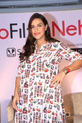 Pregnancy doesn't meant me to stop working: Neha Dhupia
