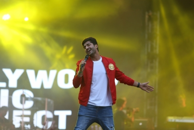 Sonakshi Sinha should stop singing: Jassi Gill
