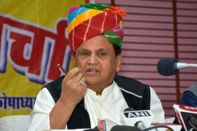 Kushwaha meets Ahmed Patel, set to join grand alliance