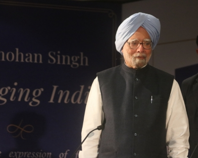 Was not a PM afraid to speak to press: Manmohan