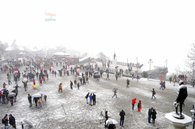 White hills in Himachal, tourists make merry