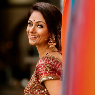 Rare for an actress my age to be given glamorous roles: Simran Bagga