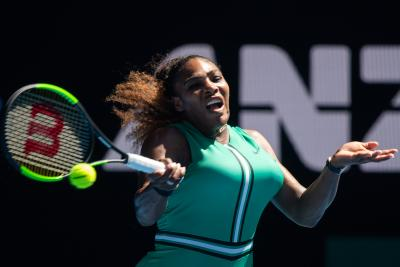 Williams outlasts Halep in epic battle in Australian Open