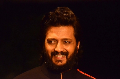Riteish remembers his father on his birth anniversary