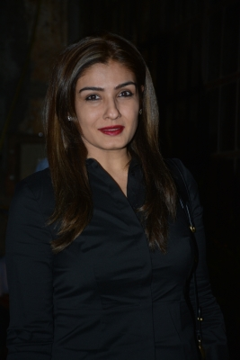 Raveena extends help for education of martyrs' children