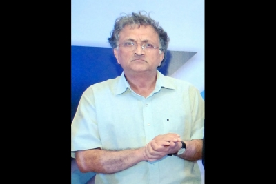 Ramachandra Guha hails Principal for quitting after bar on Mevani