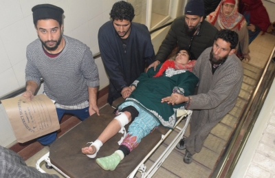 17 students injured in Kashmir tuition centre blast (Second Lead)