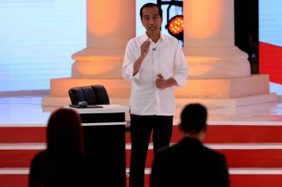 Indonesian President leads in early vote count (2nd Lead)