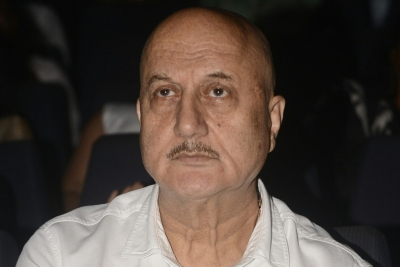 Anupam Kher launches his website on completing 39 years as actor