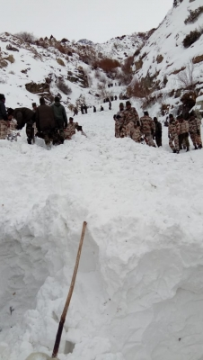 Inclement weather in Himachal hampers search for five soldiers (Lead)