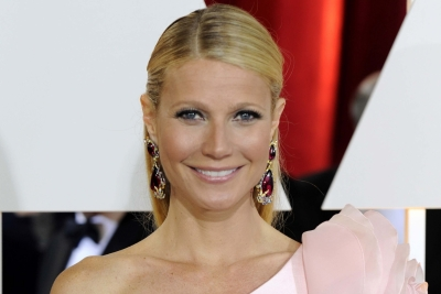 Gwyneth Paltrow hosts makeup-free dinner
