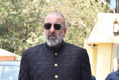 Sanjay Dutt dedicates 'Baba' to his late father